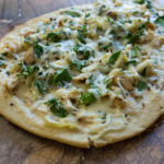 CHICKEN MOZZARELLA FLATBREAD PIZZA RECIPE