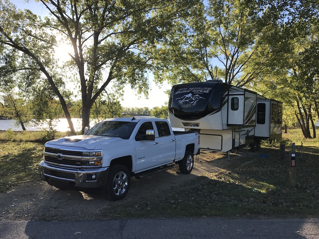 Check out our 6 ways to save money on rentals, so you can sleep under the stars for less. 2017 Keystone alpine.