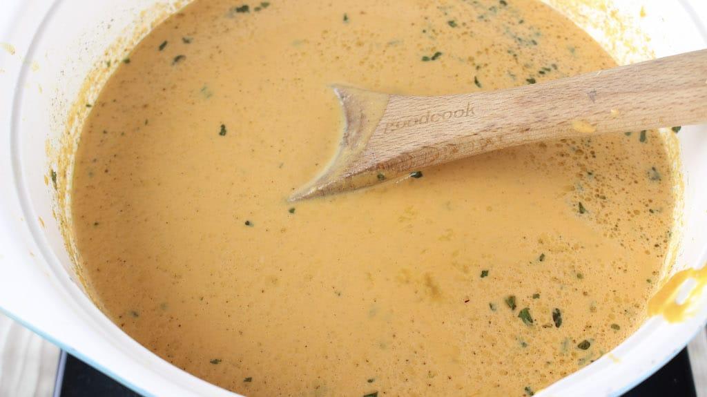 simmer pumpkin soup