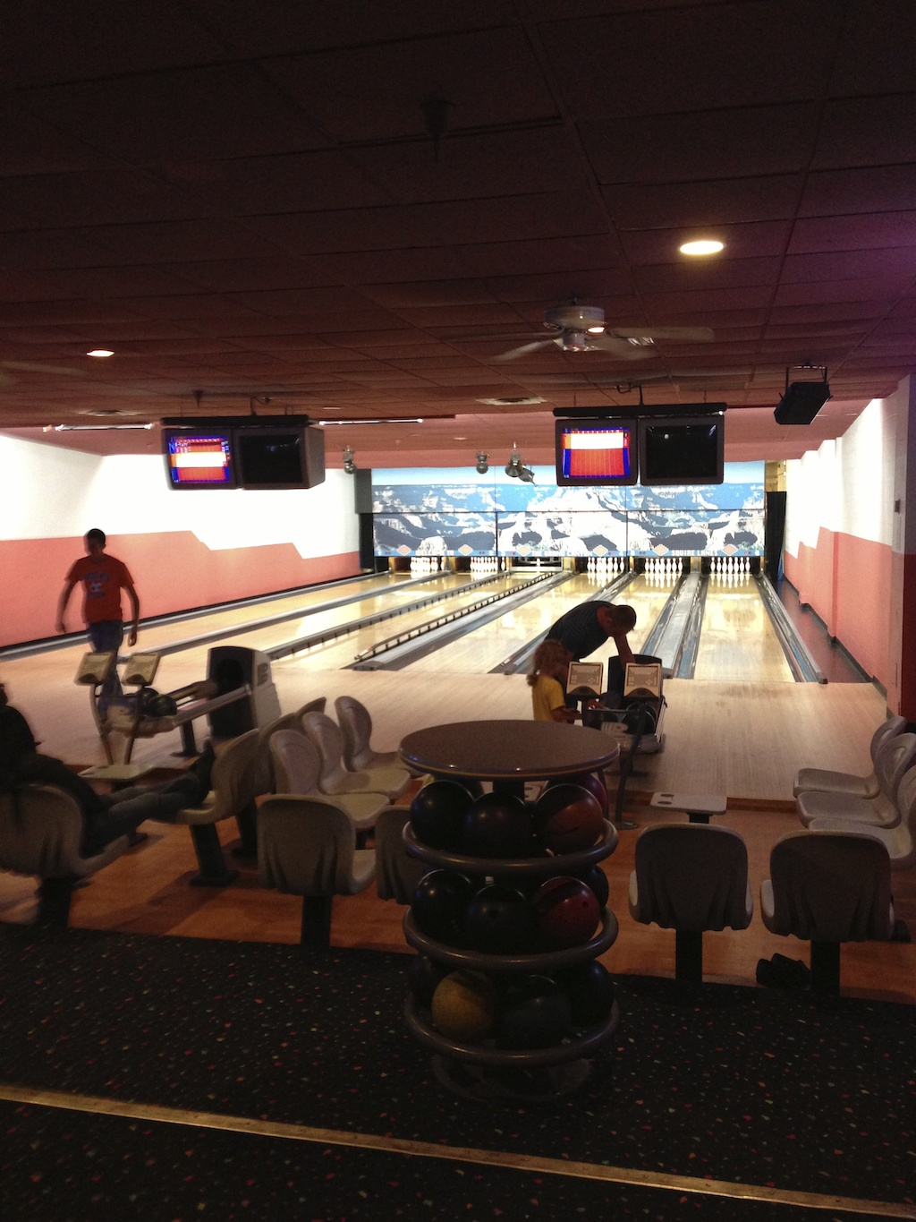 best western bowling alley
