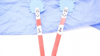 Dr Seuss Thing 1 and Thing 2 Popsicle Stick Puppets