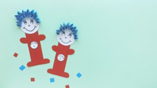 Dr. Seuss - Thing 1 and Thing 2 Craft