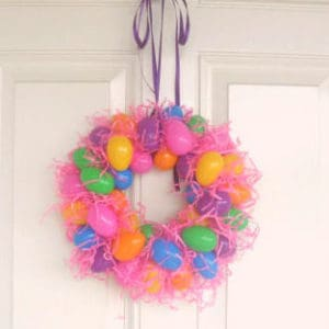 Easy Plastic Egg Wreath for Easter