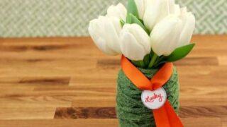 St. Patrick's Day Craft: Easy Yarn Vase