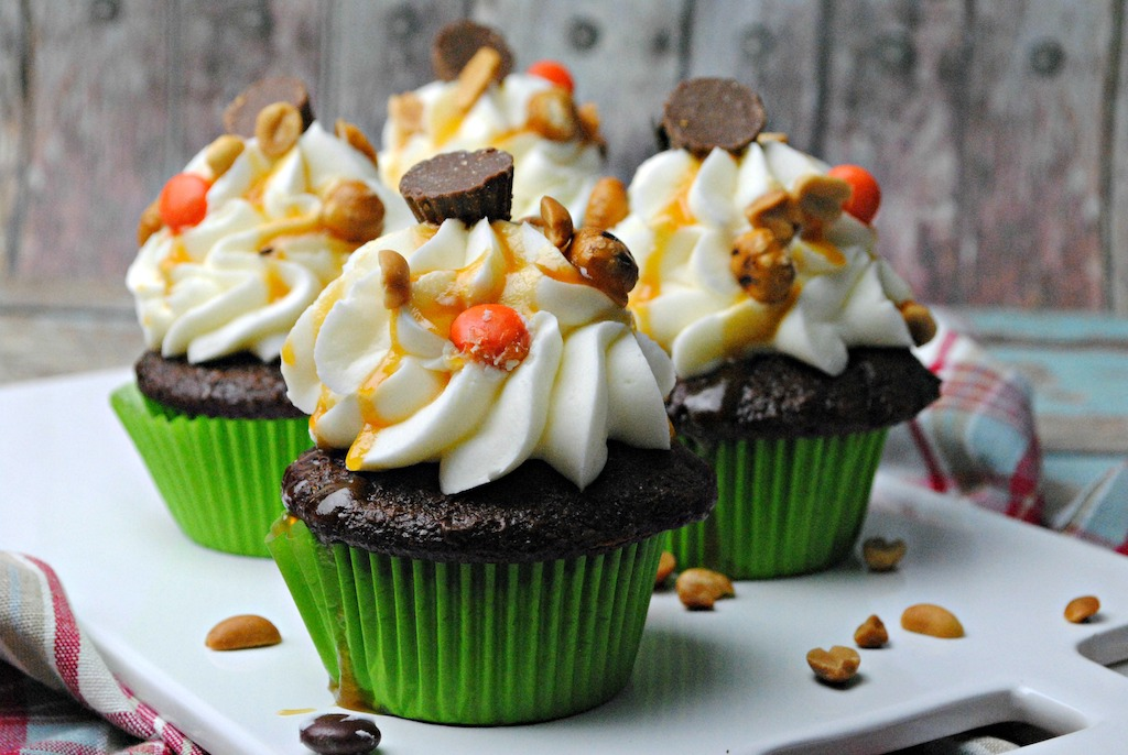 the best sweet and salty caramel cupcakes