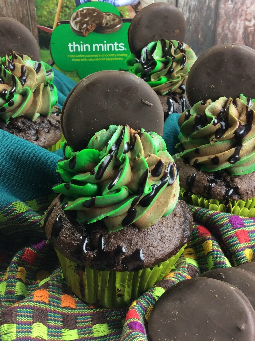 thin mint cupcakes with cake mix
