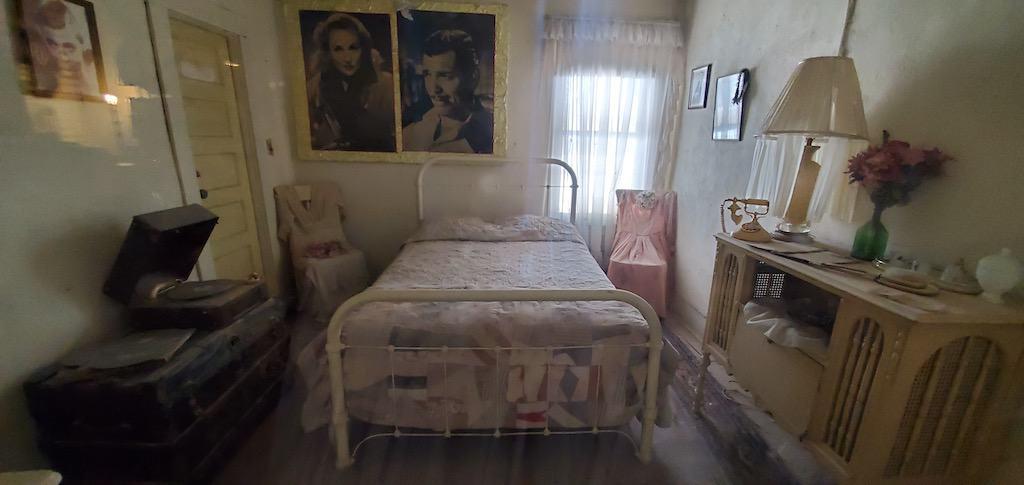oatman hotel clark gable honeymoon suite