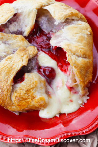 baked brie with cherries