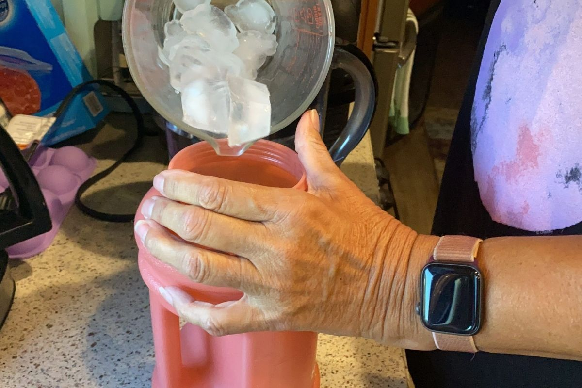 HYDROJUG FILL WITH ICE