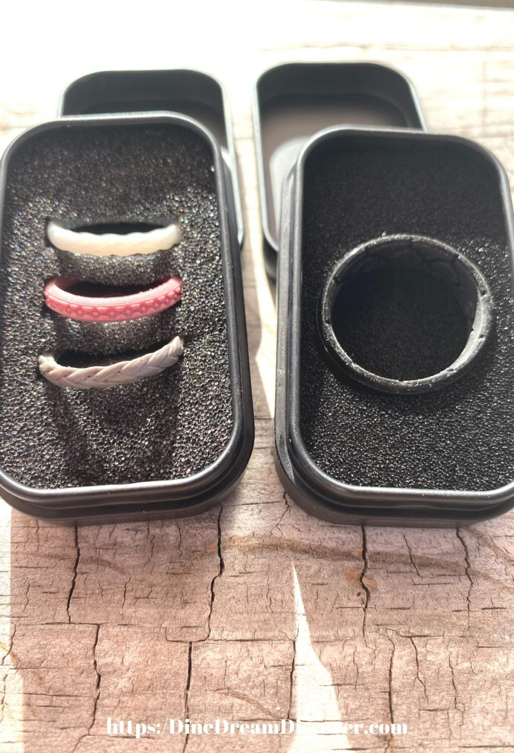 men's and women's silicone bands