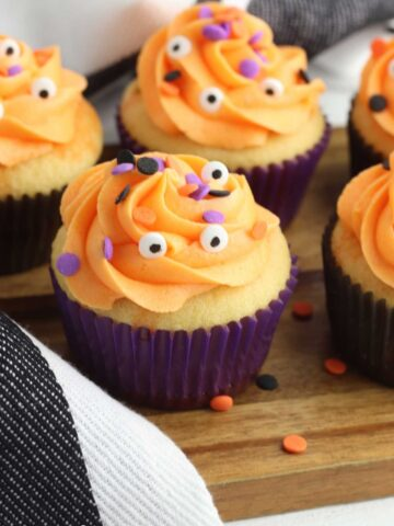Halloween Poke Cake Cupcakes