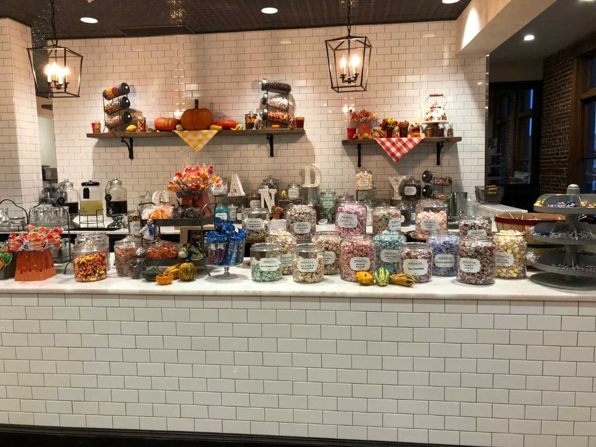 pioneer woman candy shop